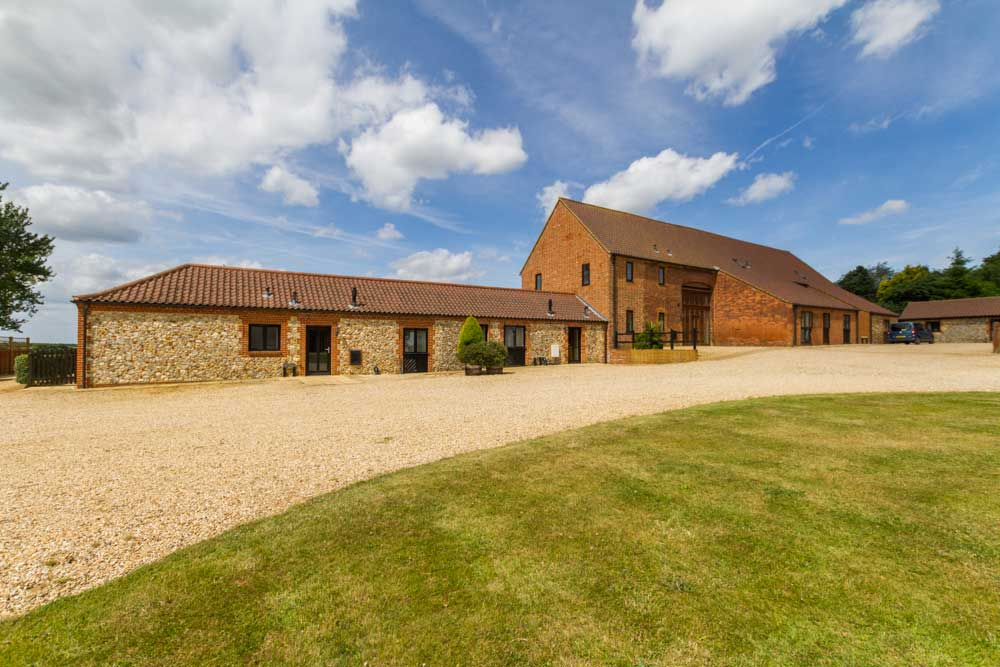 Church farm Barns - Norfolk Disabled Friendly Cottages - The Big Workshop